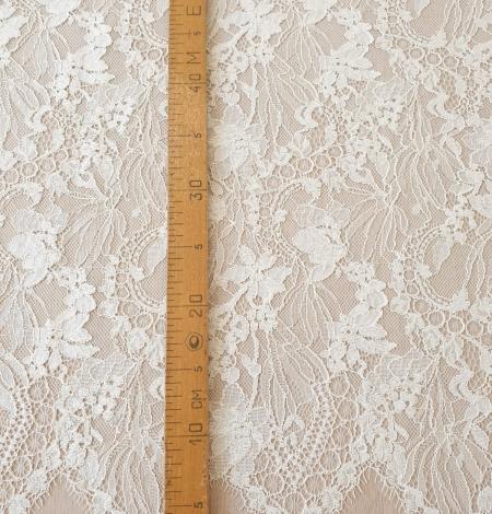 Ecru guipure lace fabric. Photo 9
