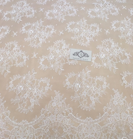 Off white chantilly floral lace fabric. Photo 8
