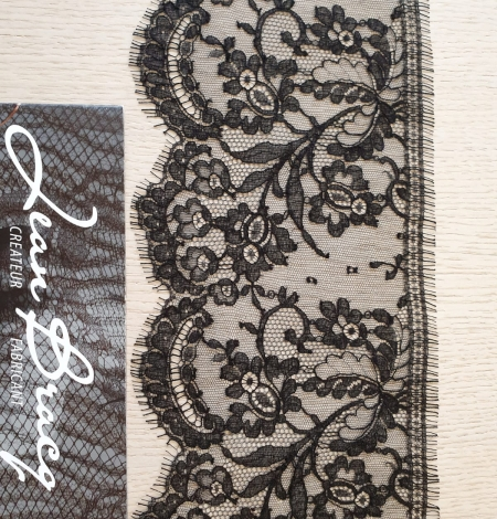 Black chantilly cotton lace trimming by Jean Bracq. Photo 1