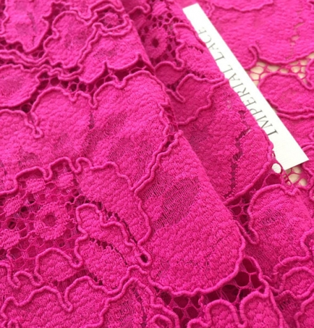 Fuchsia pink lace. Photo 3