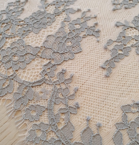 Light grey on peach tulle floral lace trimming. Photo 4