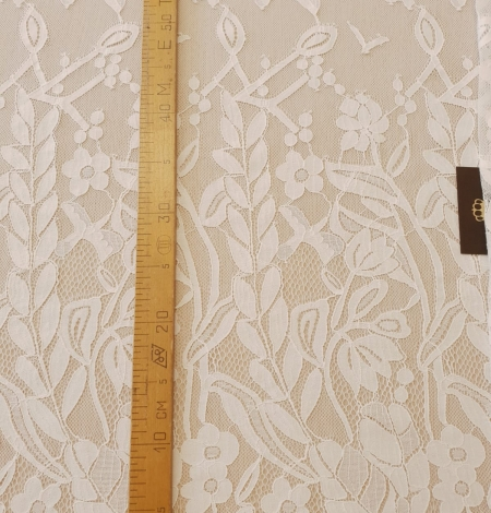 Ivory 100% polyester floral and bird pattern chantilly lace fabric. Photo 12