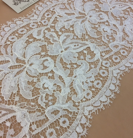 Ivory viscose lace trim. Photo 1