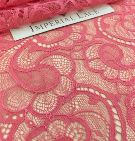 Raspberry Pink lace trim. Photo 1