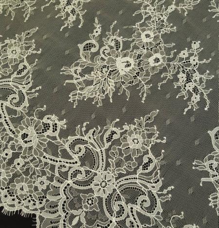 Light Yellow Lace Fabric. Photo 4