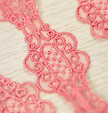 Coral pink macrame lace trim. Photo 5
