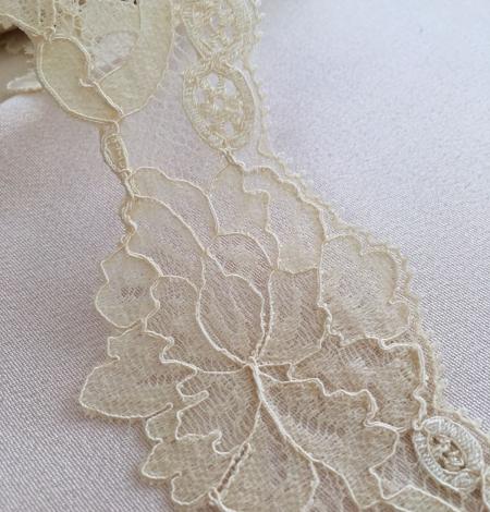 Sand yellow elastic lace trim. Photo 2