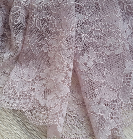 Caffe Latte Lace Trim. Photo 3