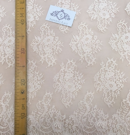 Peach Lace Fabric. Photo 5