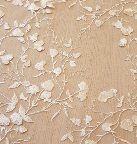 White 3D lace fabric. Photo 5