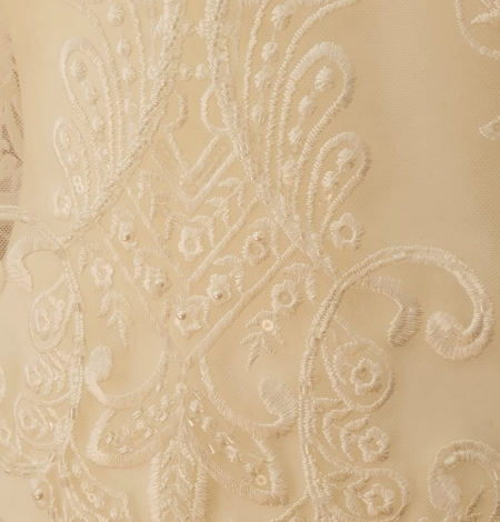 Ivory embroidery on tulle lace fabric. Photo 7