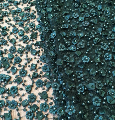 Green beade lace fabric. Photo 7