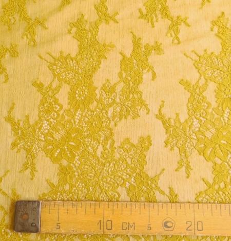Mustard lace fabric. Photo 6