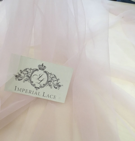 Old rose tulle fabric. Photo 10