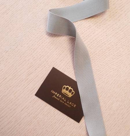 Light greyish blue grosgrain ribbon application. Photo 1