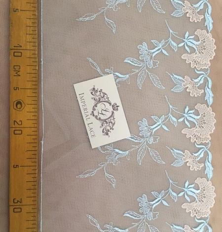 Light blue lace trim. Photo 5