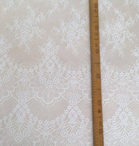 Ivory lace . Photo 5