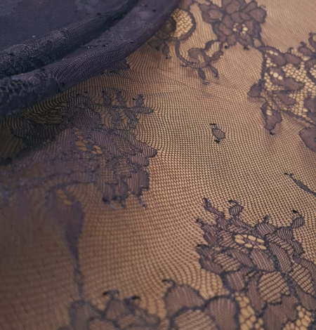 Blue chantilly lace fabric. Photo 2