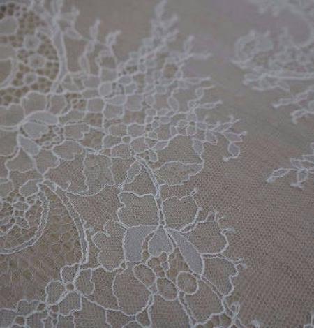 Off-white Lace Trim. Photo 4