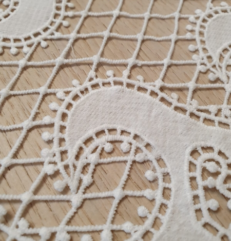Off-white macrame lace trimming . Photo 4