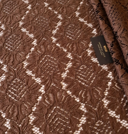Brown floral guipure lace fabric. Photo 3