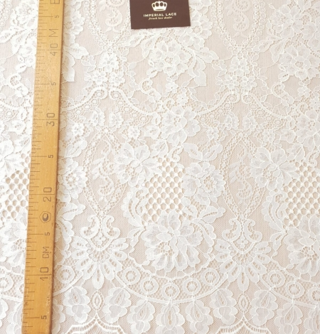 Ivory chantilly lace fabric. Photo 10