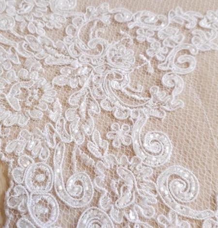 White Alencon lace fabric. Photo 3