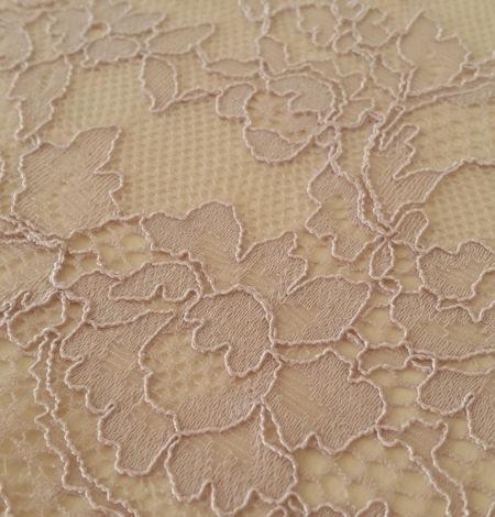 Caffe Latte Lace Trim. Photo 1