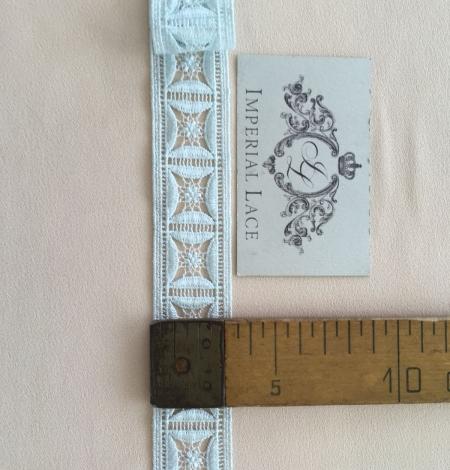 Light blue lace trim. Photo 7