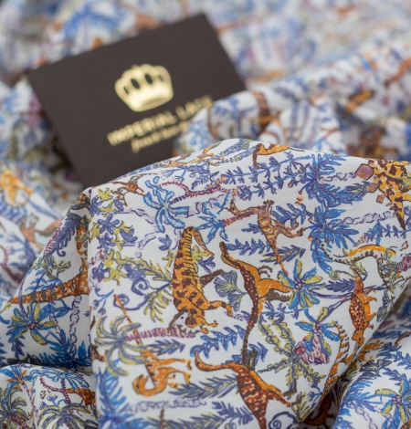 Multicolor nature pattern light cotton fabric. Photo 6
