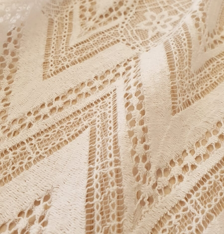 Ivory 100% polyester stripes and flowers guipure lace fabric. Photo 2