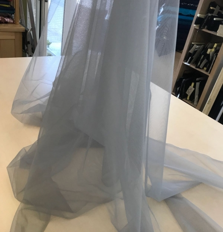 Grey tulle fabric. Photo 3