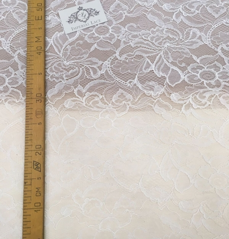 Ivory Lace Fabric. Photo 4