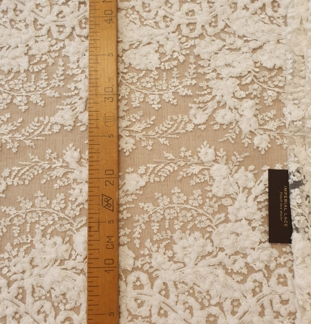 Ivory 100% polyester floral pattern embroidery lace fabric. Photo 9