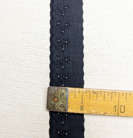 Black floral embroidery on cotton lace trim. Photo 5