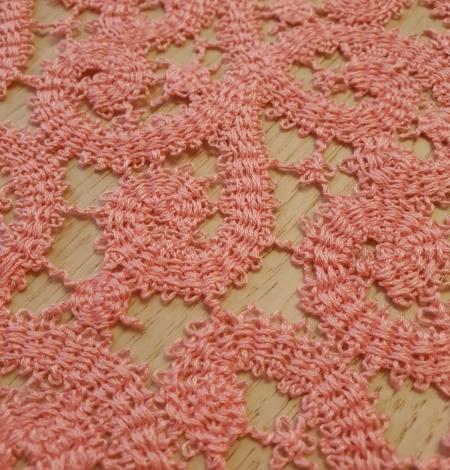 Pink macrame lace trimming. Photo 2