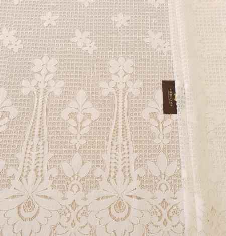 Ivory 100% polyester floral guipure lace fabric. Photo 7
