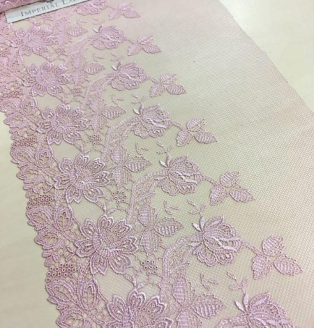 Old rose lace trim. Photo 3