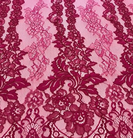 Fuchsia pink lace fabric. Photo 3