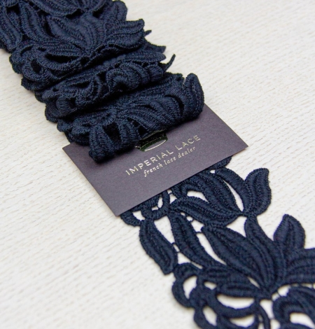 Black floral pattern thick macrame lace trimming. Photo 5