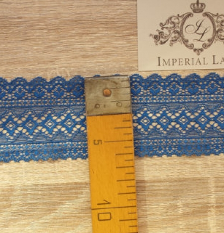 Blue lace trim. Photo 4