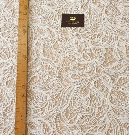 Ivory floral pattern macrame lace fabric . Photo 7