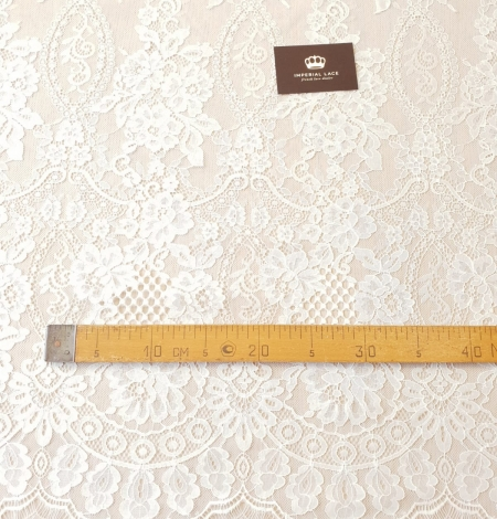 Ivory chantilly lace fabric. Photo 11