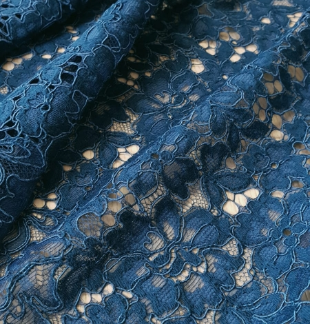 Blue 70% polyester 30% cotton floral pattern guipure lace fabric. Photo 3