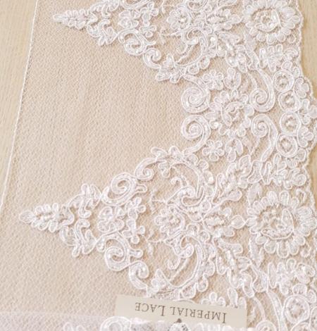 White Alencon lace fabric. Photo 5