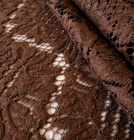Brown floral guipure lace fabric. Photo 2