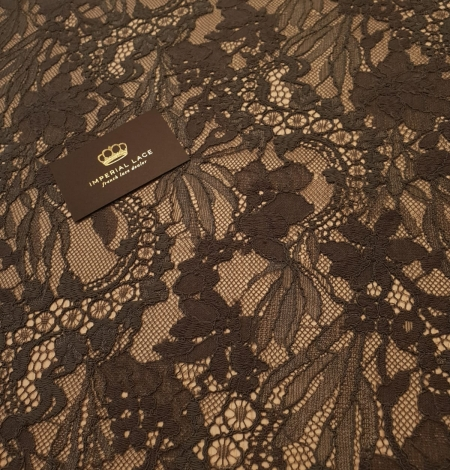 Greyish brown chantilly floral pattern lace fabric. Photo 3