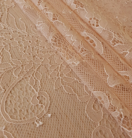 Nude 100% polyester floral chantilly lace fabric. Photo 3