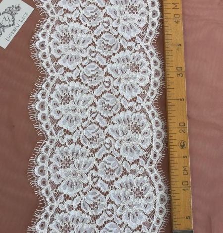 Ecru macrame trim. Photo 4