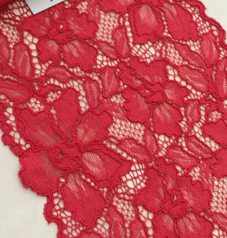 Red alencon lace trim. Photo 3